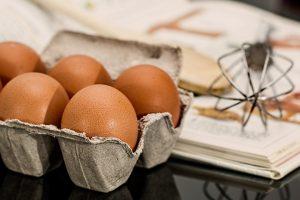 Jaja u kartonu jer je sa jaja dijetom moguće najjednostavnije smršati.